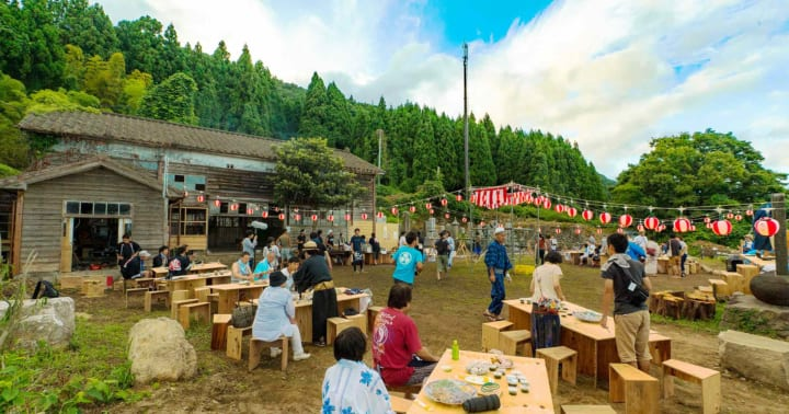 限界集落の「100人盆踊り」に託す願い 海山の幸豊穣な佐渡島・虫崎 サムネイル